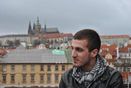 El escritor Alejandro Corral