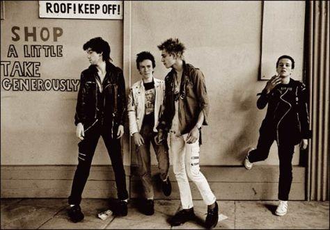 The Clash, en una imatge de 1976 realitzada per Adrian Boot