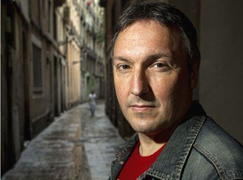 El escritor Carlos Zanón, en una imagen promocional