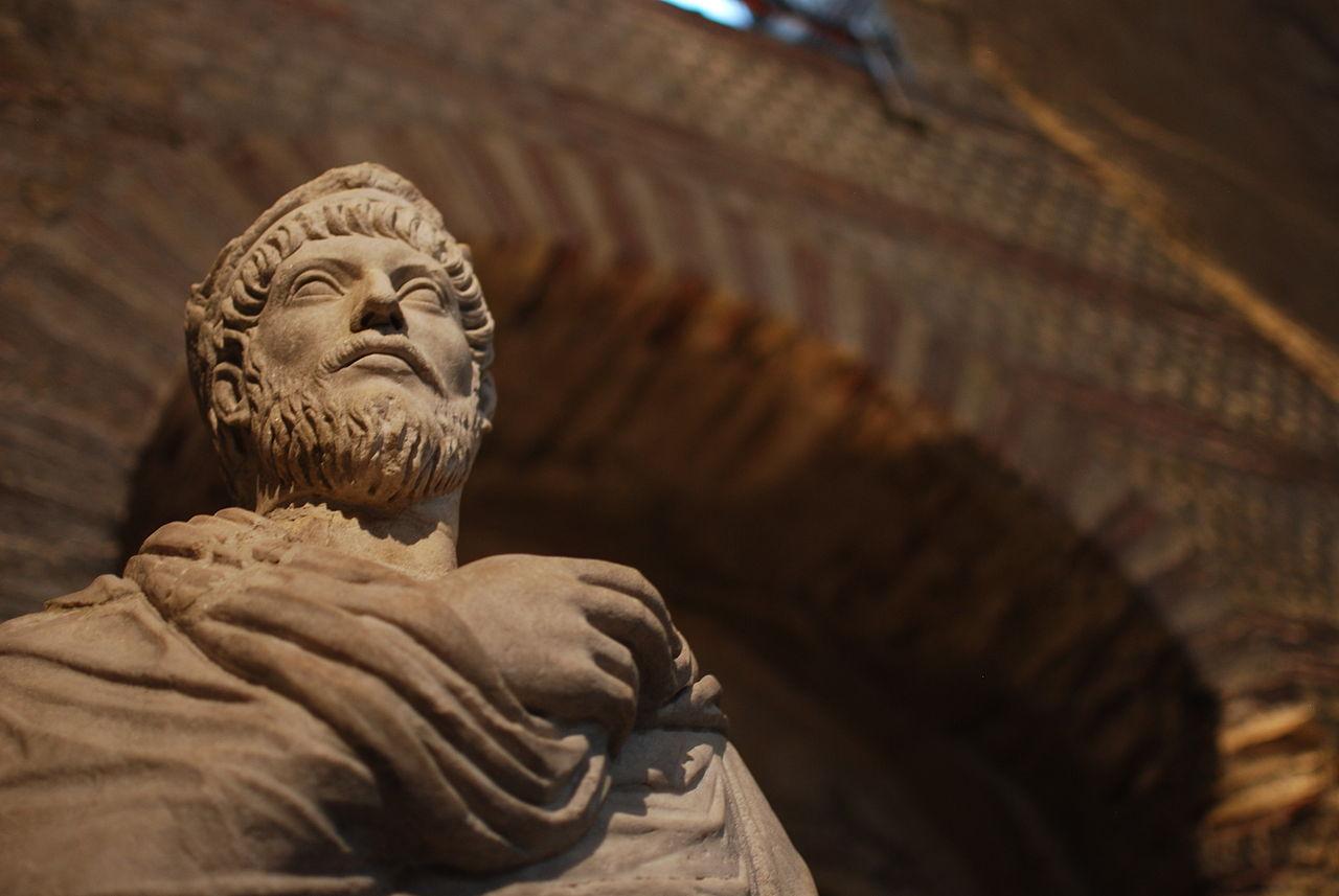 Reflexiones de un emperador romano sobre la pérdida de un ser querido_1