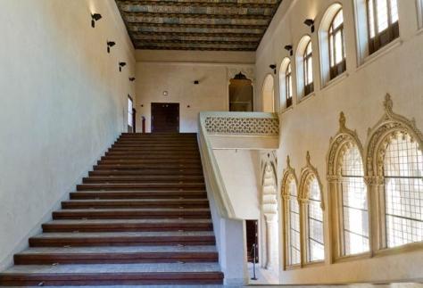 Palacio de la Aljafería_escalinata